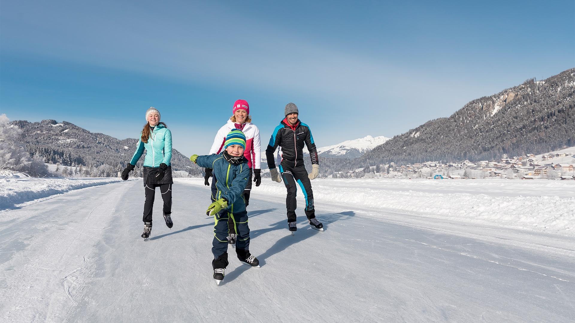 Aktivitaeten-Eislaufen-Neu